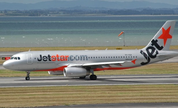 a320-jetstar-auckland-100210-gary-hollier
