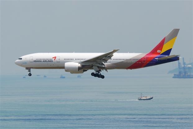 Asiana_Airlines_Boeing_777-200ER_HL7742@HKG31.07.2011_614fz_6052589349