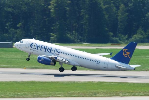 Cyprus_Airways_Airbus_A320-231;_5B-DBD@ZRH;16.07.2010_583df_(4800077262)